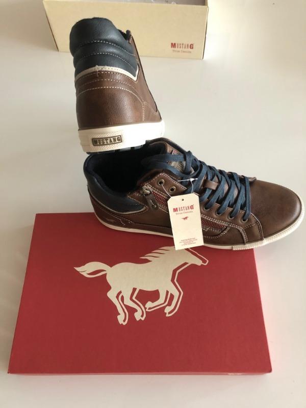 MustangShoes.jpg