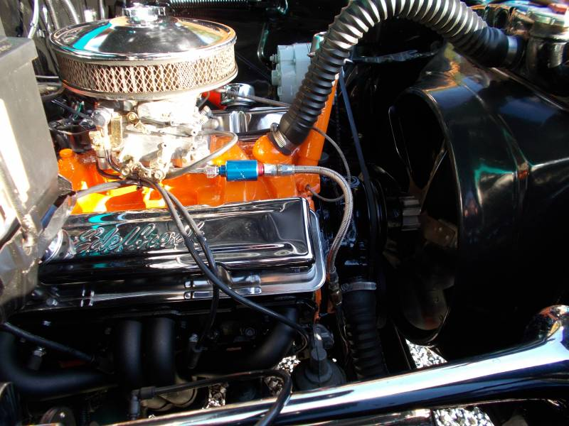 Chevymotor011.JPG