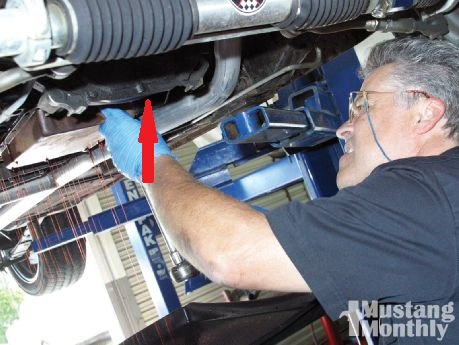 mump_1101_01_service_ford_mustang_c4_transmission_article_lead.jpg